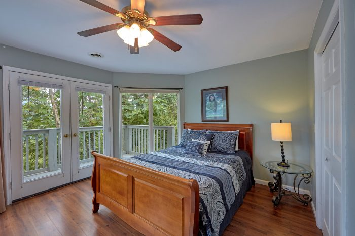 Queen Bedroom with Private Deck in 8 Bedroom - The Majestic