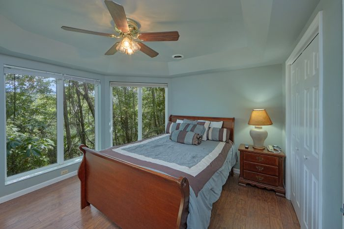 Gatlinburg Luxury Chalet Rental with Pool Table - The Majestic