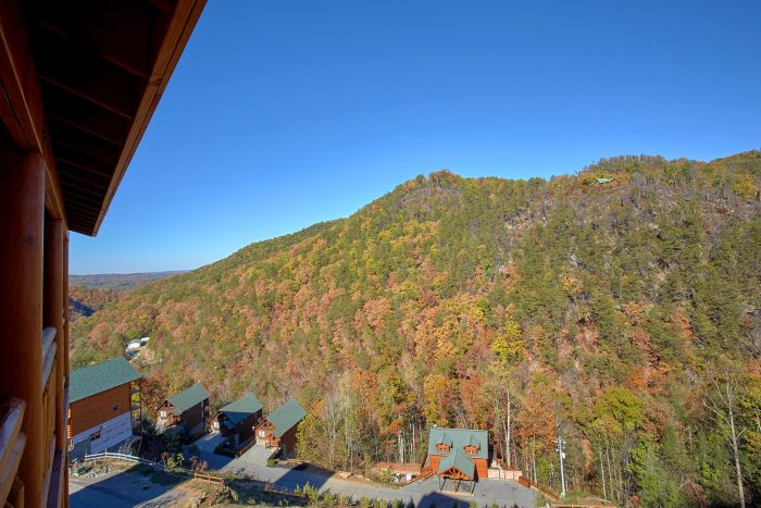 4 Bedroom Cabin With Indoor Pool and Views - The Only TenISee