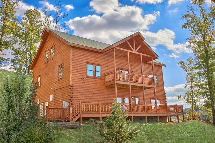 Cabin rental with private pool near gatlinburg the preserve for Bear ridge cabin rentals