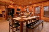 Luxurious Cabin with Large Dining Room Table
