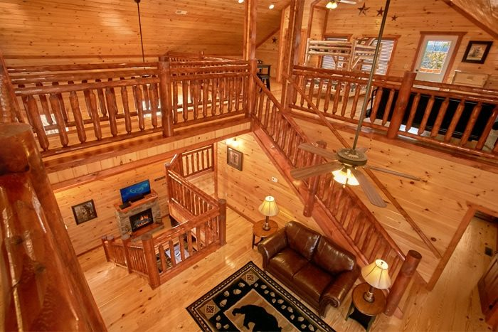 Luxurious 6 Bedroom Cabin with Spacious Loft - The Preserve
