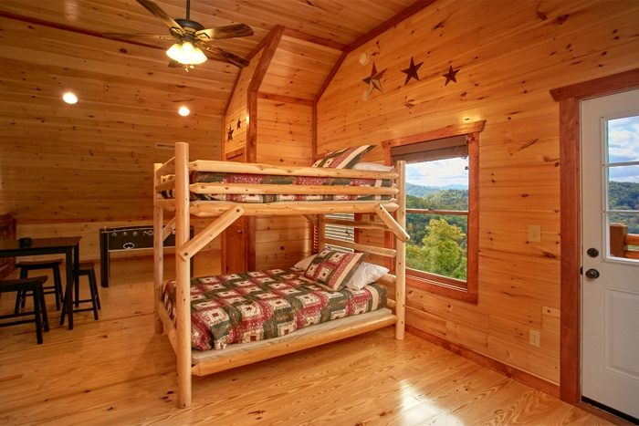 Spacious Cabin with additional bunk beds - The Preserve