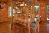 Spacious 2 Bedroom Cabin with Dining Area for 6
