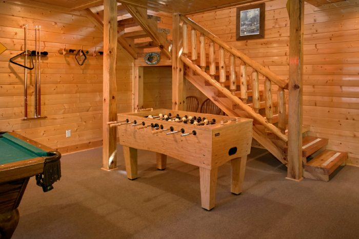 Cabin with Foosball, Pool Table and Air Hockey - The Summit