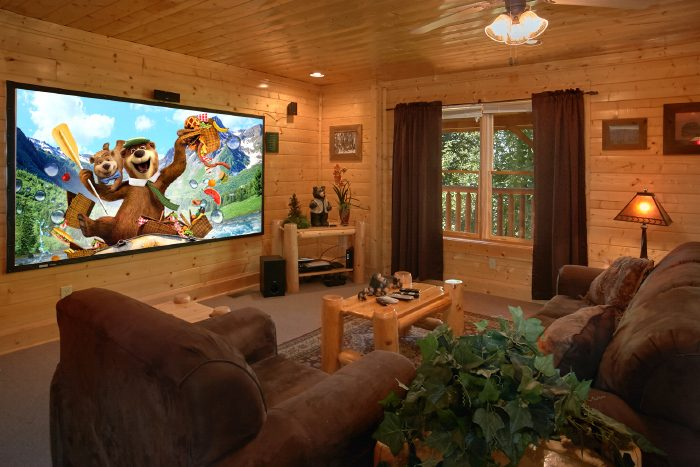 Luxury Cabin with Theater Area and Game Room - The Summit