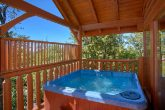 Spacious 2 Bedroom Cabin with Hot Tub and Deck