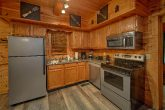 2 Bedroom cabin with Modern, Full Kitchen