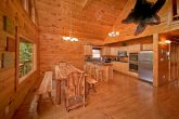 7 bedroom cabin with large dining area