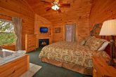 7 bedroom cabin with 2 jacuzzi tubs