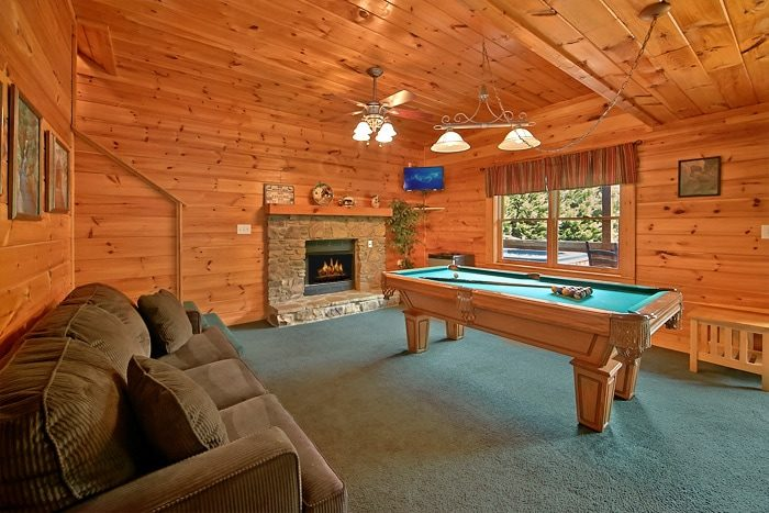Smoky Mountain Cabin Rental With Pool Access