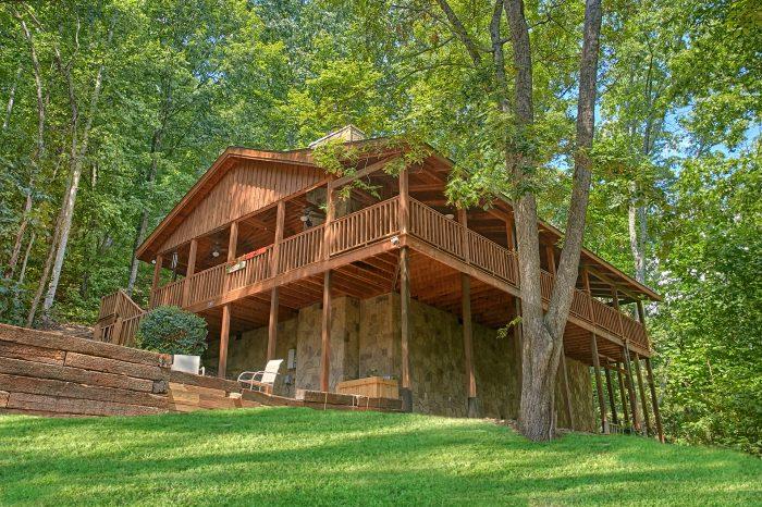 2 bedroom cabin sleeps 4 guests in sevierville tn for 3 bedroom cabins in gatlinburg tn