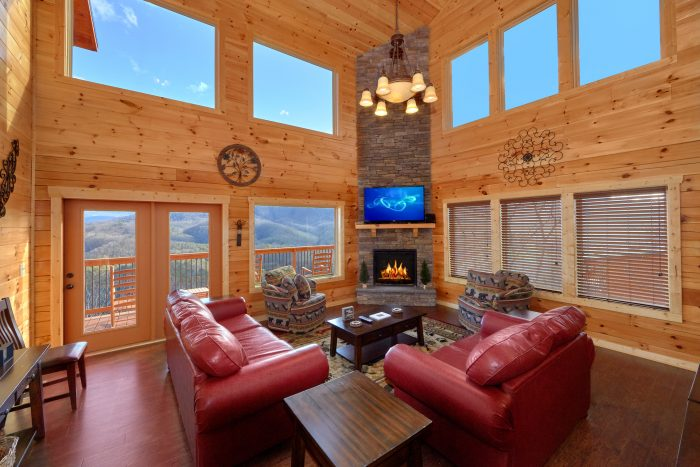 5 Bedroom Cabin with a Fireplace - TrinQuility View