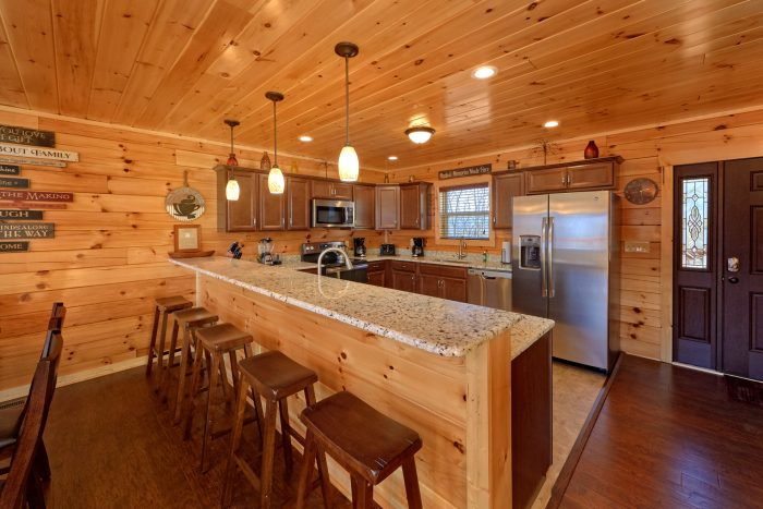 5 Bedroom Cabin with a Fully Stocked Kitchen - TrinQuility View