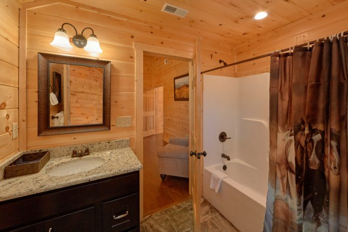 5 Bedroom Pool Cabin with 5 and 1/2 Bathrooms - TrinQuility View
