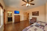 5 Bedroom Pool Cabin with Walk-In Closets