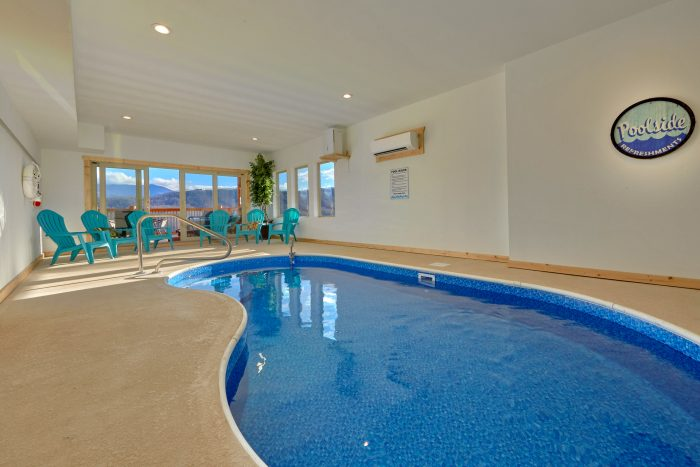 5 Bedroom Cabin with a Private Indoor Pool - TrinQuility View