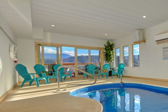 Cabin with a Heated Indoor Private Swimming Pool - TrinQuility View