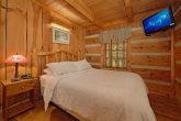 1 Bedroom Cabin with a Queen bed