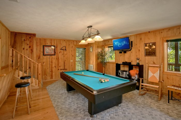 Game Room with Pool Table, Couch & Bar Stools - Valley View