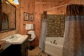 Private on Suite Bath Room 3 Bedroom Cabin
