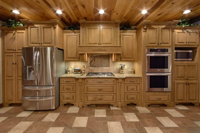 Premium Cabin Rental with spacious Kitchen Area - Villa at Laurel Cove