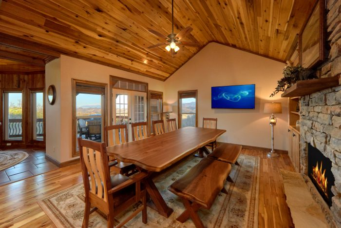 Cabin with Den, 2 fireplaces and Mountain Views - Villa at Laurel Cove