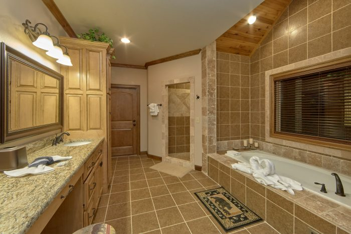 Master bath with Double Vanity and Jacuzzi Tub - Villa at Laurel Cove