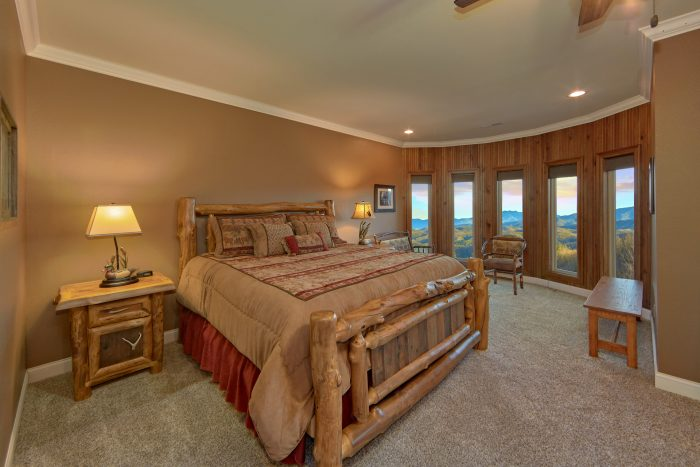 Private King Suite with Mountain Views - Villa at Laurel Cove