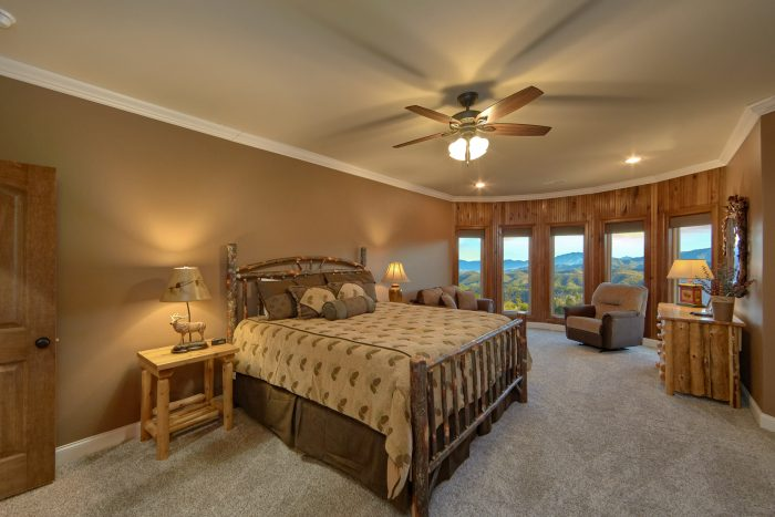 Luxury Cabin with 3 Private King bedrooms - Villa at Laurel Cove