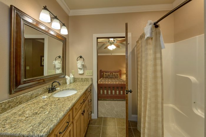 Luxurious bathroom with shower and Tub - Villa at Laurel Cove
