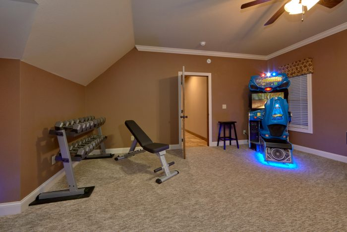5 bedroom cabin with exercise equipment - Villa at Laurel Cove