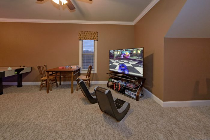 Luxurious Cabin with Game room and 2 arcade game - Villa at Laurel Cove