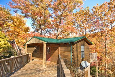 Crimson Moon: 1 Bedroom Sevierville Cabin Rental