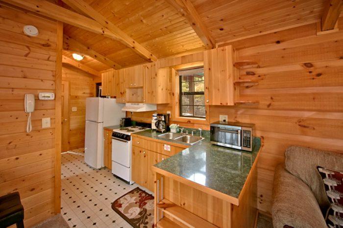 Cheap cabins near dollywood for Cheap cabin rentals near gatlinburg