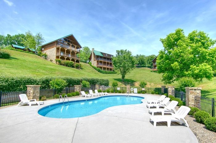 Honey Moon Cabin with Resort Pool Access - Whispering Pond