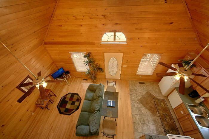 Spacious Honeymoon Cabin in Gatlinburg - Wild Kingdom