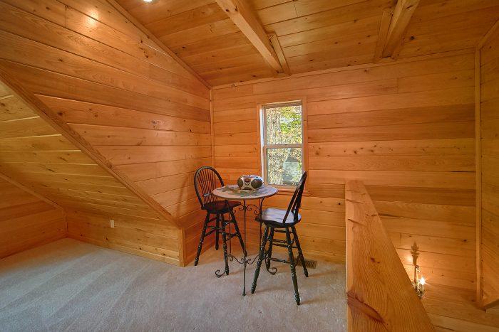 Gatlinburg Cabin with Loft that Sleeps 4 - Wild Kingdom