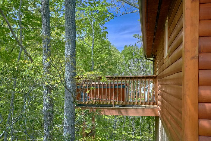 Gatlinburg Cabin with Private Hot Tub and Deck - Wild Kingdom
