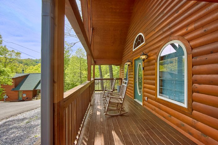 Luxury 1 Bedroom Cabin with Covered Deck - Wild Kingdom