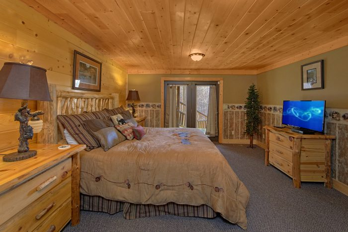 Luxury Cabin with 4 King Suites and Bathrooms - Wilderness Lodge