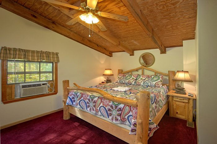3 Bedroom Cabin Sleeps 10 with Large Bedrooms - Wolves Den